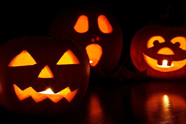 Varför firar man halloween?